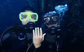 Underwater Marriage Proposal